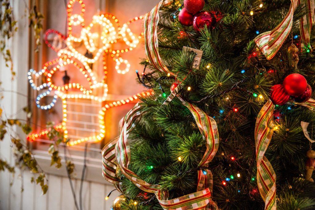 holiday lights - safe lighting